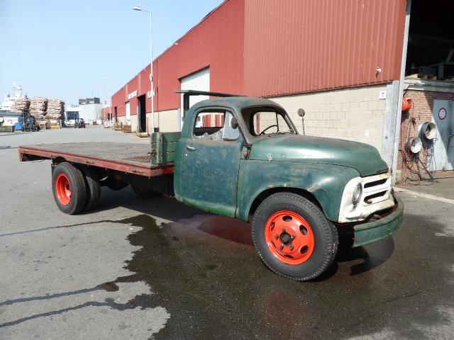 Te koop een originele Nederlands geleverde Studebaker truck.